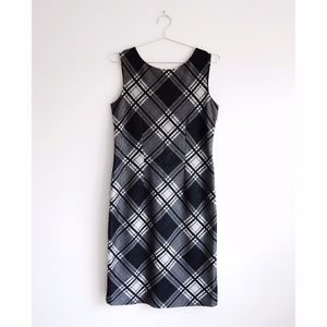 Max Mara Black Plaid Sleeveless Sheath Dress est M